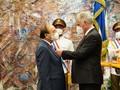 Presidente de Vietnam recibe la orden más alta del Estado cubano