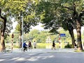 Hanoi allows bus, taxi, dine-in services