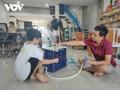 Học sinh lớp 6 làm quạt mini chống nóng cho y bác sĩ vùng tâm dịch