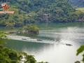 El lago Ba Be, un majestuoso paraje en la región montañosa norteña de Vietnam
