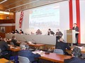 Parlamentspräsident Vuong Dinh Hue nimmt am Vietnam-Österreich-Unternehmensforum teil