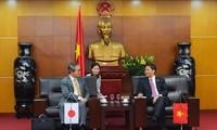 Menteri Industri dan Perdagangan Vietnam melakukan temu kerja dengan Duta Besar Luar Biasa dan Berkuasa Penuh Jepang yang baru
