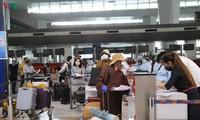 Memulangkan hampir 340 warga negara Vietnam dari India ke Tanah Air secara aman