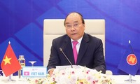 Pimpinan ASEAN berseru kepada badan usaha supaya bersinergi mengatasi kesulitan akibat Covid-19
