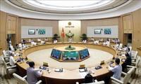 PM Nguyen Xuan Phuc memimpin konferensi virtual nasional untuk membahas solusi melawan Covid-19