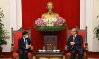 Mendorong lebih lanjut lagi hubungan kemitraan strategis yang komprehensif Vietnam-India
