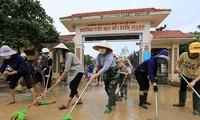 Vietnam Tengah mengatasi akibat hujan lebat dan banjir bandang san akan segera terus menderita pengaruh badai Molave