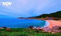 Kalau mengunjungi Provinsi Ninh Thuan, jangan melepaskan dua tujuan wisata ini
