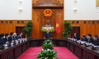 PM Nguyen Xuan Phuc Menerima Mantan Deputi PM Jerman, Philipp Rosler