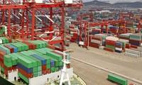 Menciptakan Syarat yang Kondusif bagi Perdagangan dan Investasi dengan latar belakang Ada Gejolak di Seluruh Dunia