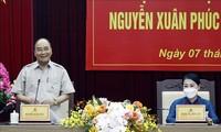Presiden Nguyen Xuan Phuc: Provinsi Vinh Phuc Perlu Perhatikan Pengembangan Sumber Daya Manusia di Bidang Sains-Teknologi