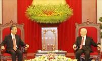 Sekjen Nguyen Phu Trong Terima Anggota Dewan Negara, Menlu Tiongkok, Wang Yi
