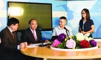 Thủ tướng Nguyễn Xuân Phúc thăm Đài Tiếng nói Việt Nam và giao lưu cùng thính giả trên Kênh VOV Giao thông - tháng 9/2018