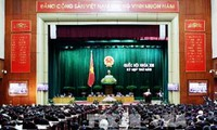 Continúa la V reunión del Parlamento vietnamita, XIII legislatura con enérgicas discusiones