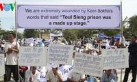 Protestas en Cambodia contra la tergiversación de la historia