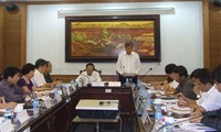 Examinan implementación de documentos partidistas en Vietnam