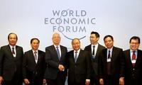 Primer ministro de Vietnam realiza conversaciones de alto nivel en Foro Económico Mundial 2017