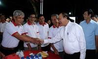 Vietnam incentiva el desarrollo de los centros de agricultores