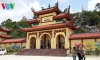 Viraje en la política religiosa de Vietnam