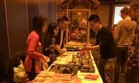Vietnamitas en el extranjero celebran el Tet 2018
