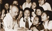 Siguen conmemorando los 128 años del nacimiento del presidente Ho Chi Minh en el mundo
