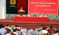 Líder parlamentaria contacta con electores de la novena zona militar