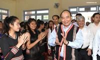 Dirigentes vietnamitas asisten a ceremonias de inicio del año académico 2018-2019 en diferentes escuelas