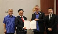 Viceprimer ministro y canciller de Vietnam cumple agenda de trabajo en la XXVI Cumbre del APEC