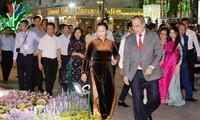 Blumenstraße Nguyen Hue in Ho Chi Minh Stadt zum Neujahrsfest Tet