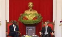 Vietnam afianza la cooperación con Banco Mundial