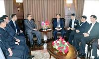 Delegación norcoreana visita la bahía de Ha Long