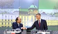 Destacan resultado de gira del premier de Vietnam por Rumania y República Checa
