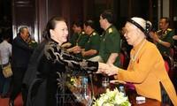 Vietnam enaltece trabajo de gratitud a personas con méritos revolucionarios