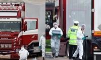 Sigue investigación de víctimas mortales en contenedor en Reino Unido