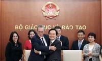 Vietnam y Cuba refuerzan cooperación educativa
