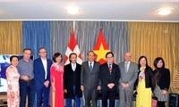 Vicepremier vietnamita visita a compatriotas en Suiza en vísperas del Año Nuevo Lunar 2020