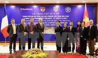 Capital vietnamita obsequia materiales sanitarios a localidades francesas para repeler el Covid-19