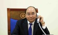 Jefe del Gobierno vietnamita conversa con su par francés