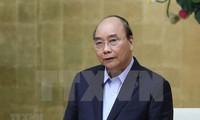 Primer ministro de Vietnam alienta a los soldados a mantener esfuerzos frente a desastres naturales