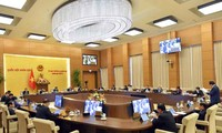 El Comité Permanente de la Asamblea Nacional de Vietnam aborda sobre las elecciones parlamentarias y de Consejos Populares