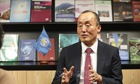 El representante en jefe de la OMS en Vietnam destaca los logros del país en el control del covid-19
