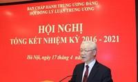 Máximo líder vietnamita evalúa el desempeño quinquenal del Consejo Teórico Central