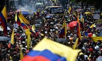 Colombia: dimiten autoridades por protestas contra reforma tributaria