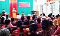 Compatriotas católicos de Ha Tinh responden al día de las elecciones parlamentarias y municipales