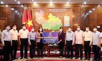 La vicepresidenta de Vietnam visita a trabajadores en zonas epidémicas