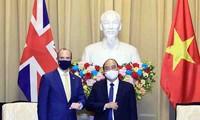 Presidente vietnamita recibe al ministro británico de Asuntos Exteriores y Desarrollo
