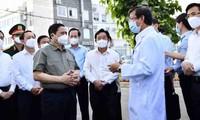 El jefe del Gobierno orienta el desarrollo de Binh Duong frente al covid-19