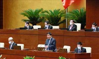 El Parlamento vietnamita analiza el plan financiero para el bienestar social del pueblo