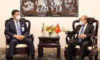 El presidente vietnamita se reúne con líderes de otros países para fortalecer la cooperación