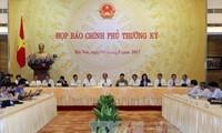 Primer ministro de Vietnam urge a cumplir con los objetivos socioeconómicos trazados